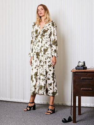 Ghospell Floral Maxi Dress