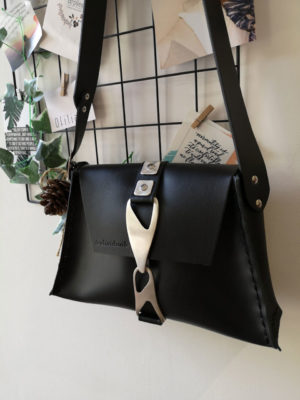 Individual Be The One Shoulder Bag